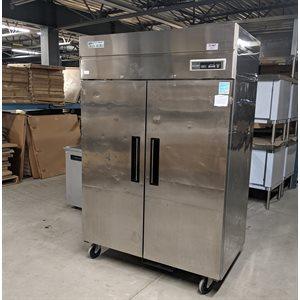 Réfrigérateur-Congélateur Usagé À Double Température, 2 Portes Solides, Green World De Turbo Air GST-40DRF , 115v